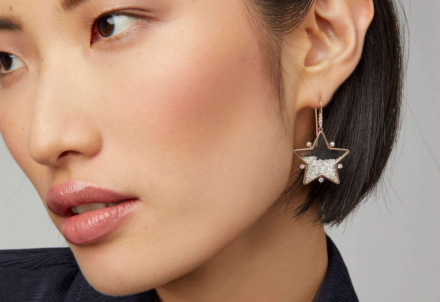 STAR-moritz-glik-white-18k-rose-gold-diamond-earrings